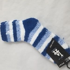 Other - Los Angelese Dodgers Womens Fuzzy socks